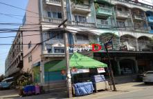 CB56110001-4 storey commercial building for sale near Soi Nong Khae district office.