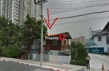 LA59070004- Land for sale and buildings 247 square meters bigger than usual near The Mall Tha Phra . Thu Phong royal road opposite the MRT.